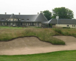 Photomontage of 18th approach bunker